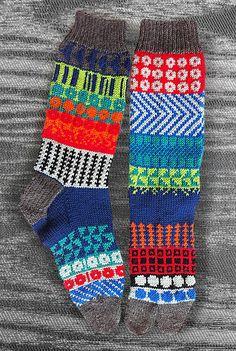 Hand Knit Unique Split Toe Socks,  Icelandic/Japanese Original Design, Men, Women, Teen, Zori Sox, Geta Socks, Tabi Socks, MADE TO ORDER