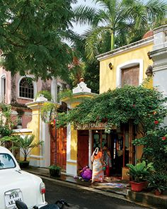 Pondicherry. Studied there for 3 months. This is from the french part of the town, the area I lived in. Big contrasts between the nice houses and the poor digging in the garbage cans outside. As in all of India.