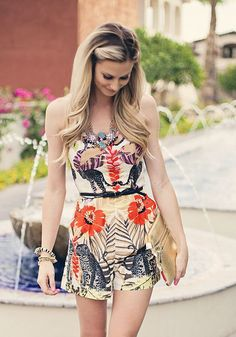 anthropologie dress - floral print - its bold pattern and bright vibrant colors make you feel like you need to be by the beach. Summer Dress Outfits, Cute Outfits, Summer Romper, Hourglass Figure Fashion, Hourglass Shape, Boutique Fashion, Cute Rompers, Spring Summer Fashion, Summer 2015