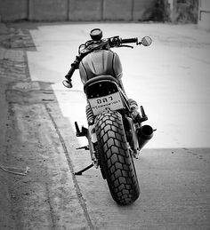 One school of motor modifications that were hits and ngetrend his current one is a cafe racer. Motor Scrambler, Ducati Motorcycles, Ducati Scrambler, Scrambler Motorcycle, Moto Bike, Yamaha, Ducati Cafe Racer, Cafe Racer Bikes, Cafe Racers