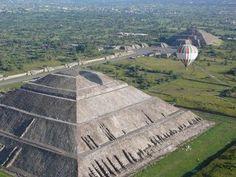 Pirámides, templos, juegos de pelota y centros ceremoniales, son parte de los vestigios arqueológicos que se localizan por todo el territori...