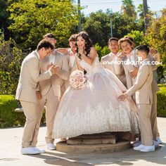 Patient conducted quinceanera party decorations website here Quinceanera Court, Mint Quinceanera Dresses, Quinceanera Planning, Quinceanera Ideas, Quinceanera Decorations, Quince Pictures, Quinceanera Photography, Quince Dresses, Dream Dress