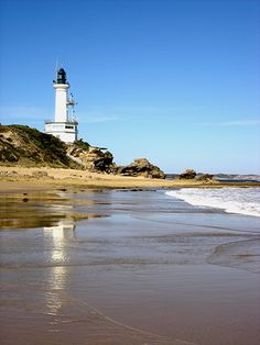 point lonsdale lighthouse Beacon Of Hope, Beacon Of Light, Lighthouse Pictures, Beacon Lighting, Strange Things, Light House, Holiday Destinations, Love And Light, Pointers