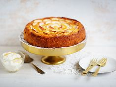 Omenakakku Finnish Recipes, No Bake Cake, Camembert Cheese, Cheesecake, Food And Drink, Pudding, Cupcakes, Baking, Desserts