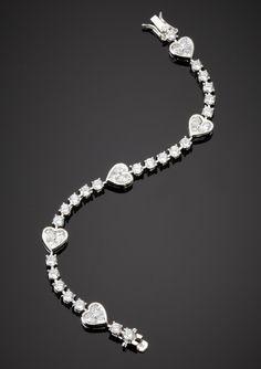 Dainty Bracelets, Diamond Bracelets, Heart Bracelet, Bangle Bracelets, Bracelet Designs, Necklace Designs, Jewelry Art, Jewelry Design, Black Diamond Jewelry
