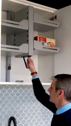 Modern Kitchen Cabinets, Kitchen Cabinet Design, Modern Kitchen Design, Painted Kitchen Cabinets, Home Decor Kitchen, Kitchen Hacks, Kitchen Interior, Diy Kitchen Ideas, Kitchen Organization