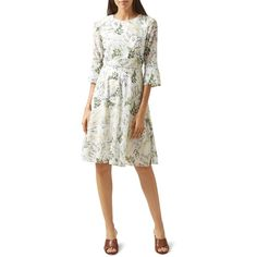 Hobbs London Virginia Floral Print Dress (1.215 RON) ❤ liked on Polyvore featuring dresses, stitching dresses, floral pattern dress, white floral print dress, floral print dress and flower pattern dress