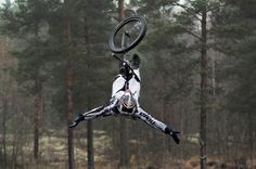 #mtb #nema our friend Markus Niemela aka the Flying Finn entertaining as always! #realtruecycling - Nema Downhill MTB