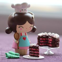 How's that January detox working out? Cupcake and have something to make it all better. Momiji Doll, Kokeshi Dolls, Little's Coffee, Biscuit Cake, Clothespin Dolls, Kawaii Cute, Cute Dolls, Clay Crafts, Vinyl Figures