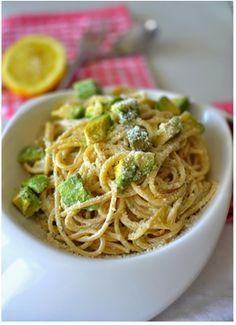 Salade de spaghettis à l'avocat, yaourt et citron