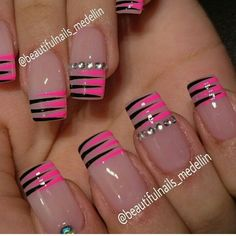 Vɨʋɨaռa | pink and black stripes nail art
