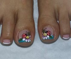 Mani pedi Pedicure Designs, Pedicure Nail Art, Toe Nail Designs, Toe Nail Art, Mani Pedi, Pretty Toe Nails, Cute Toe Nails, Sexy Nails, Fun Nails