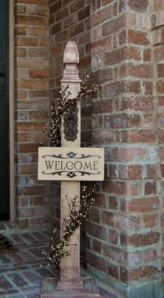 Welcome Sign Decor Entrancing 24 Lovely Front Porch Welcome Post Ideas That Will Make Your Guest Design Ideas
