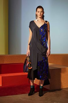See the complete Diane von Furstenberg Fall 2017 Ready-to-Wear collection.