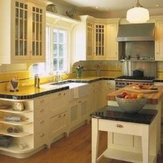 Staggering How to remodel kitchen layout,Small kitchen cabinets with sink and Kitchen remodel ideas small. 1930s Kitchen, Vintage Kitchen Cabinets, Kitchen Redo, Country Kitchen, New Kitchen, Kitchen Cupboards, Condo Kitchen, Kitchen Small, Kitchen Ideas