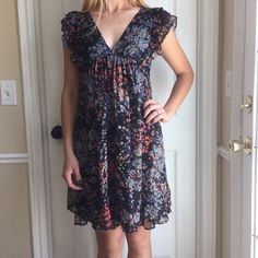 Floral H&M babydoll dress Super light and flowy, great condition, absolutely love this dress! Fits sizes 2-4. Trades PayPal H&M Dresses