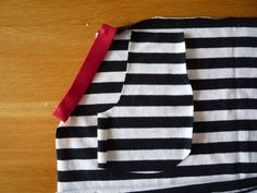 Dámské úpletové šaty s pružným pasem a kapsami | Apron, Sewing, Tutorials, Fashion, Bags Sewing, Sewing Patterns, Moda, Dressmaking, Couture