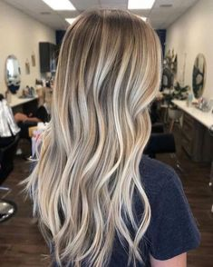 The 74 Hottest Blonde Hair Looks to Copy This Summer sandy blonde balayage hair Blonde Hair With Roots, Blonde Hair Looks, Brown Blonde Hair, Blonde Wig, Sandy Blonde, Blonde Balayage Long Hair, Highlights In Blonde Hair, Dark Hair, Perfect Blonde Hair