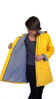 TRUFLLE COAT/RAINCOAT (Sewing pattern) Patterns + Sewing Guide Loose fit raglan sleeve coat or raincoat: your choice! Customize your coat with the different options that it offers. Version 1, with hood, has exposed zipper with placket and two pockets options. Version 2, has a classic #RaincoatsForWomenAprilShowers