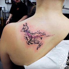 unique Animal Tattoo Designs - Watercolor Kangaroo by Cynthia Sobraty Head Tattoos, Badass Tattoos, Life Tattoos, Body Art Tattoos, Tattoos For Guys, Tattoos For Women, Tatoos, Future Tattoos, Armband Tattoo Design