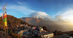 Vaellusmatkamme suuntaa majesteettiseen Himalajan vuoristoon, Annapurnan suojelualueelle. Matkan alussa totutellaan korkeaan ilmanalaan tutustumalla Kathmandun idylliseen vanhaankaupunkiin, joka on yksi UNESCO:n maailmanperintökohteista. Matka huipentuu viisipäiväiseen vaellukseen Annapurnan suojelualueen silmiä hivelevissä maisemissa. 1 yö Kathmandu – 1 yö Pokhara – 4 yötä Annapurna Poon Hill -vaelluksella – 1 yö Pokhara – 1 yö Kathmandu – 1 yö Delhi #Nepal #Annapurna #kiertomatkat