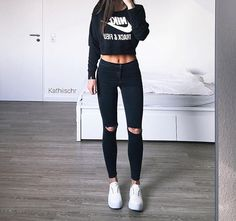 The best collection of So Good Summer Fashion Outfit Ideas For Ladies - Get Idea Summer Fashion Outfits, Sporty Outfits, Nike Outfits, College Outfits, Outfits For Teens, Teen Fashion, Trendy Outfits, Winter Outfits, Womens Fashion