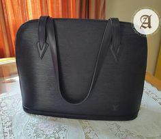 Used Authentic louis vuitton black epi lussac : 1,800aed  Good condition  #louisvuitton #preownedbags #authentic #original #brandnew #dubai #uae #lv #usedbags #lvbag #louisvuittonbags #prelovedbags #luxurybags #luxuryitems #brandedbags #authenticbags #designerbags #gucci #epired #saintjacques  Contact : +971557553950 Whatsapp
