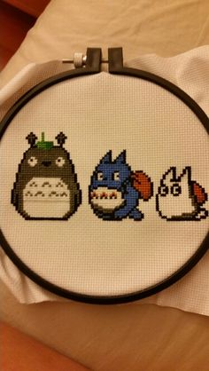 Totoro and friends Modern Cross Stitch, Cross Stitch Designs, Cross Stitch Patterns, Knitting Patterns, Totoro, Cross Stitching, Cross Stitch Embroidery, Studio Ghibli Art, Hobbies And Crafts