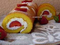 receptyywett: Jahodová roláda Slovak Recipes, Czech Recipes, Mexican Food Recipes, Ethnic Recipes, Hot Dog Buns, Nutella, Tiramisu, Cooking Tips, Sushi