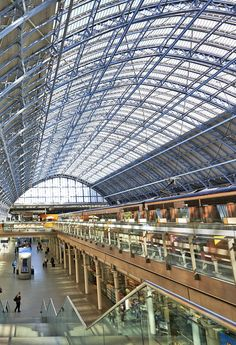 St Pancras Station is the main rail terminal for Eurostar train departures from London to the European mainland   |  10 Most Amazing Railway Stations in the World