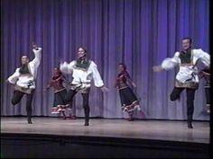 Ensemble Barynya summer tour, concert Lakeside, Ohio 2007 source   https://www.crazytech.eu.org/russian-folk-dance-3/