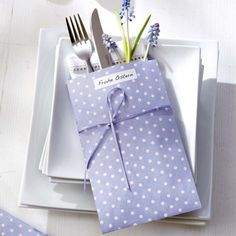 15 Easter Ideas, Spring Holiday Table Decoration with Napkins and Rings