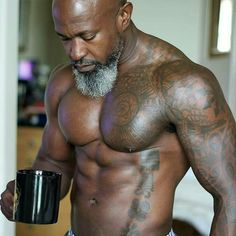 The man. The legend. He's Titus! #Fitness #Muscles#GrayHair #GrayBeardgang #Zaddy @Regrann from @flyageless - Good morning @titusunlimited! #blackcoffee #coffee #goodmorning #overforty #graybeard #fitnessmotivation #fitover40 #readventures #reathegal #readagal