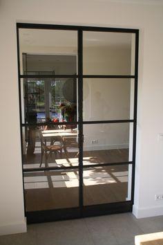 Rein Tupker en ZN   IJzeren schuifdeuren (4)-Smeedijzeren taatsdeuren met glas…
