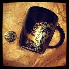 Starbucks mug - Budapest Coffee Love, Coffee Art, Coffee Break, Coffee Mugs, Starbucks Siren, Starbucks Coffee, Coffee Tasting, Coffee Drinkers, Non Alcoholic Drinks