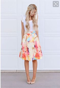 Stitch fix spring/summer 2017. Floral watercolor skirt nude pumps. Try stitch fix subscription box :) It's a personal styling service! 1. Sign up with my referral link. (Just click pic) 2. Fill out style profile! Make sure to be specific in notes. 3. Schedule fix and Enjoy :) There's a $20 styling fee but will be put towards any purchase!