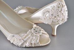 b78be2b1e51393 Woman s Low Heel Wedding Shoes- Woman s Vintage Wedding Lace Peep Toe Heels