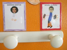 como identificar os cabides no pre escolar - Pesquisa Google Crafts For Kids, Frame, Home Decor, School Gardens, Treasure Hunt Kids, Kindergarten Decoration, Gross Motor Skills, Room Organization, Saints