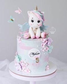 Cute unicorn cake, unicorn and pastel butterflies Cute Cakes, Pretty Cakes, Beautiful Cakes, Amazing Cakes, Unicorne Cake, Cake Cookies, Fondant Cakes, Cupcake Cakes, Torta Baby Shower