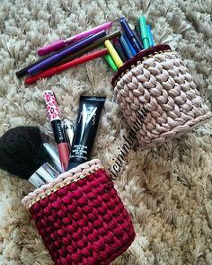 Günaydın, mutlu sabahlar... Melekler kalbinizden öpsün   #crochetbasket #crochet #instacrochet #inshot #knitting #knitting_inspiration #instaknit #knitting_inspiration #knitting_is_love #craftastherapy_details #craft #tshirtyarn #ganchillo #trapillo #paspas #puf #penyesepet #penyeip #örgüsepet