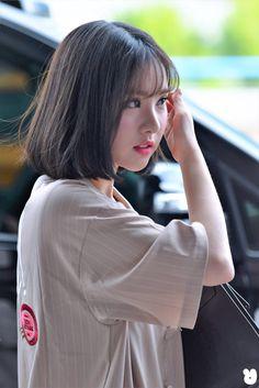 Eunha Kpop Girl Groups, Korean Girl Groups, Kpop Girls, I Love Girls, Beautiful Asian Girls, Ulzzang Girl, Bob Hairstyles, Asian Woman, Pretty Woman