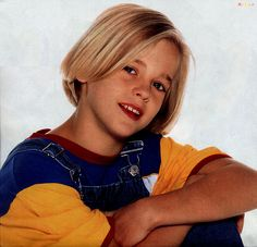Aaron Carter - Retro Photo Former and child and teen pop star Aaron Carter. Lil Aaron, Aaron Carter, Brady Kids, Kids Boys, Cute Blonde Boys, Cute Boys, Young Actors, Backstreet Boys, Beautiful People