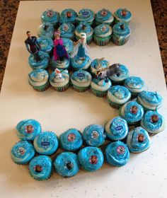 Disney Frozen Cupcake Cake in shape of 2 for Sienna's bday.and put on snowflake toppers Frozen Birthday Cupcakes, Frozen Cupcake Cake, Frozen 3rd Birthday, Frozen Birthday Party, 3rd Birthday Parties, Cupcake Cakes, Themed Cupcakes, Birthday Ideas, Cupcake Ideas