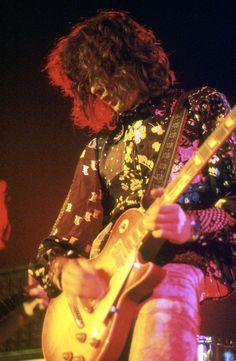 satya-:   satya-: Jimmy Page   ☾