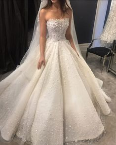 Princess wedding dress with embellished bodice # bridal dress # bodice # princess . - Princess wedding dress with decorated bodice dress - Wedding Dress Organza, Princess Wedding Dresses, Best Wedding Dresses, Perfect Wedding Dress, Bridal Dresses, Gown Wedding, Sleeveless Wedding Dresses, Princess Ball Gowns, Beautiful Wedding Gowns