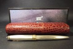 Bolígrafo Montblanc de plata de 925milésimas y metal dorado.Lleva un estuche de piel granate y caja de ACUARI en Etsy