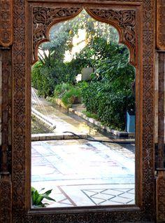 Mirror, Mirror on the Garden Wall —studio 'g' garden design and landscape inspiration and ideas Studio G, Garden Design & Landscape Inspiration Moroccan Design, Moroccan Decor, Moroccan Style, Moroccan Garden, Indian Garden, Outdoor Spaces, Outdoor Living, Moroccan Mirror, Garden Mirrors