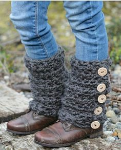 This is a listing for The PATTERN ONLY for The Sable Scarf Set This scarf/leg warmer set is handcrafted and designed with comfort and warmth in Crochet Boot Cuffs, Crochet Leg Warmers, Crochet Boots, Crochet Slippers, Crochet Scarves, Crochet Clothes, Crochet Headbands, Knit Headband, Baby Headbands