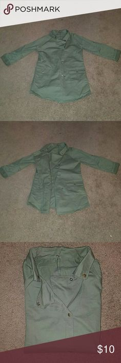 Olive Casual Blazer Cargo button pockets , able to button sleeves up, never worn, Very stylish Jackets & Coats Blazers