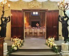 luxury wedding in Florence. #weddinginitaly #eventdecoration #violamalva #luxurywedding #floraldecor